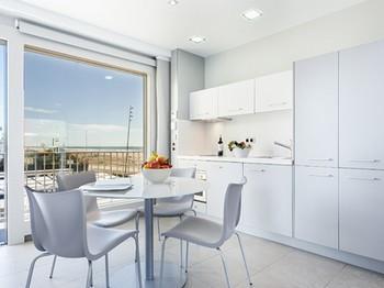 MARFINA M-HS-Window - Castelldefels