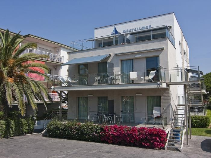 apartment with a sunny terrace - castelldefels