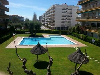 Apartament Oliveras BX(2/4pax)-Free WiFi-Pool-100m Beach